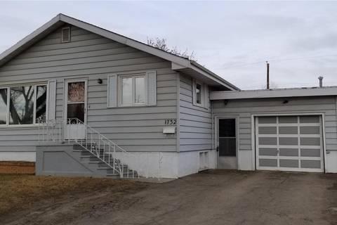 House for sale at 1732 C Ave N Saskatoon Saskatchewan - MLS: SK763302