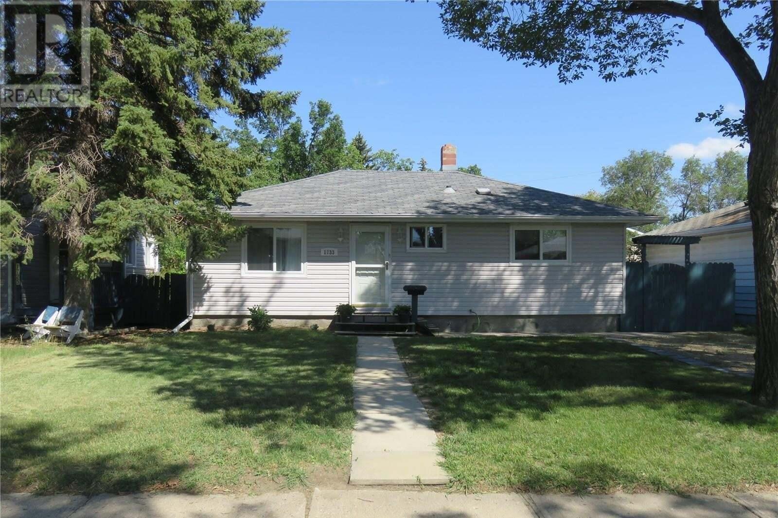 House for sale at 1733 Lacon St Regina Saskatchewan - MLS: SK819275