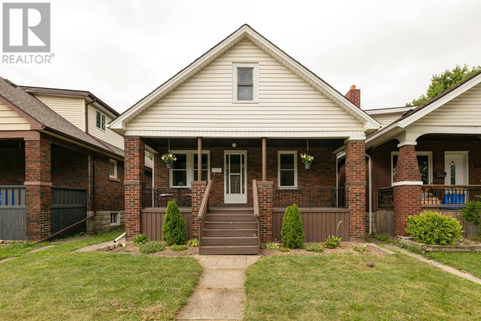 House for sale at 1737 Lincoln  Windsor Ontario - MLS: 19023441