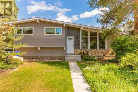 House for sale at 1738 Wales Ave Saskatoon Saskatchewan - MLS: SK776002