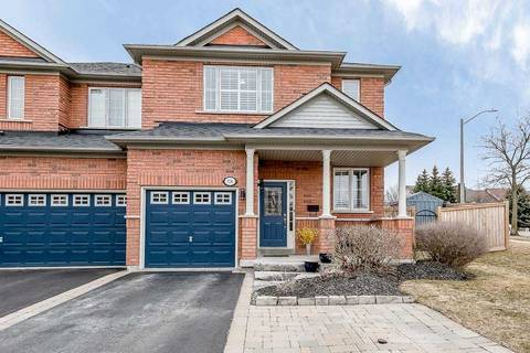 Townhouse for sale at 174 Millcliff Circ Aurora Ontario - MLS: N4726859