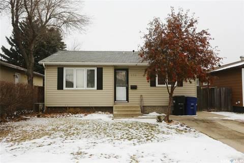 House for sale at 174 Rita Cres Saskatoon Saskatchewan - MLS: SK798421