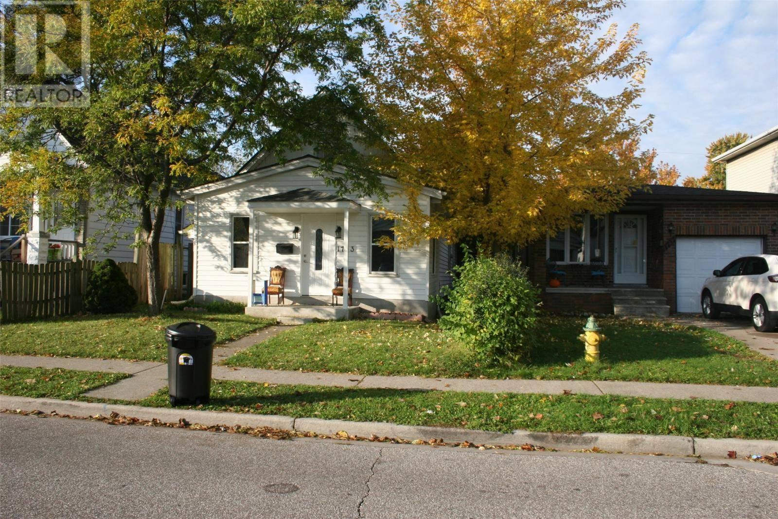 House for sale at 1743 Elsmere  Windsor Ontario - MLS: 19028453