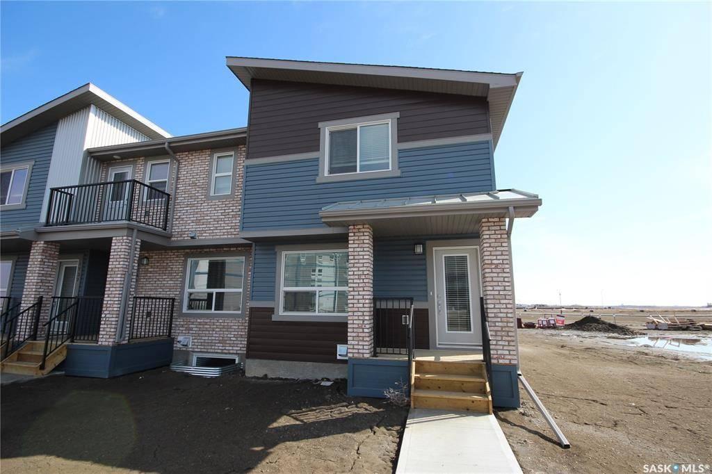 Townhouse for sale at 1745 Red Spring St Regina Saskatchewan - MLS: SK763877