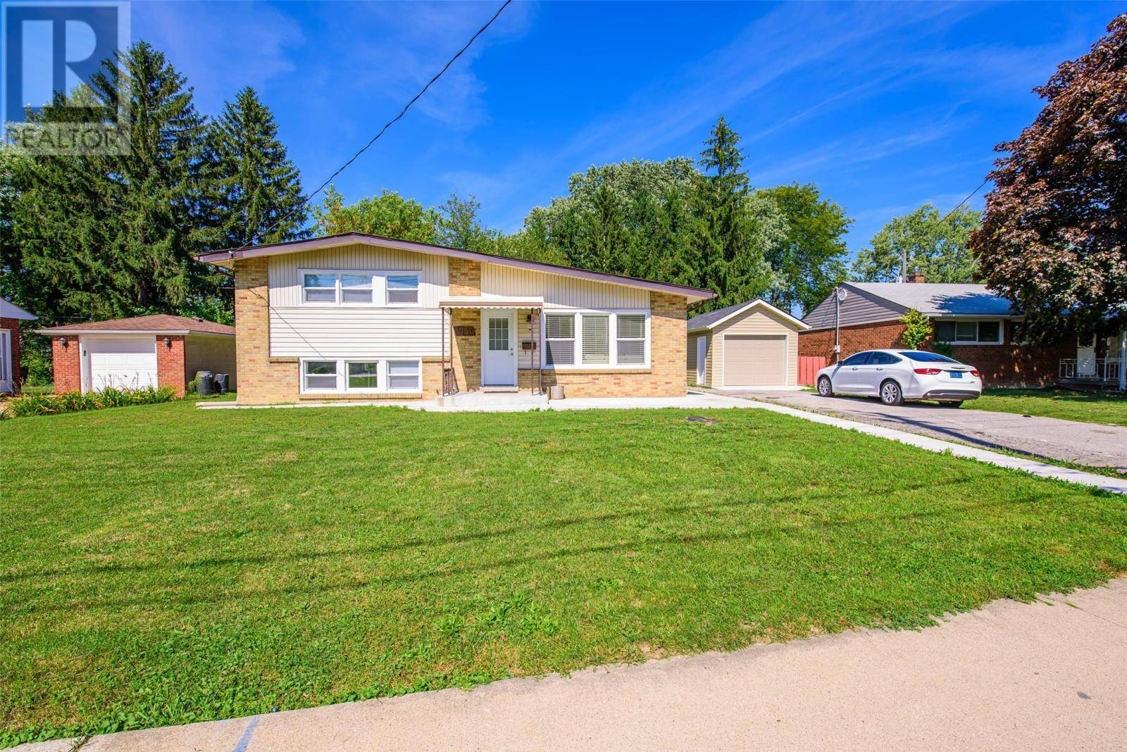House for sale at 1750 Grand Marais Rd West Windsor Ontario - MLS: 19025784
