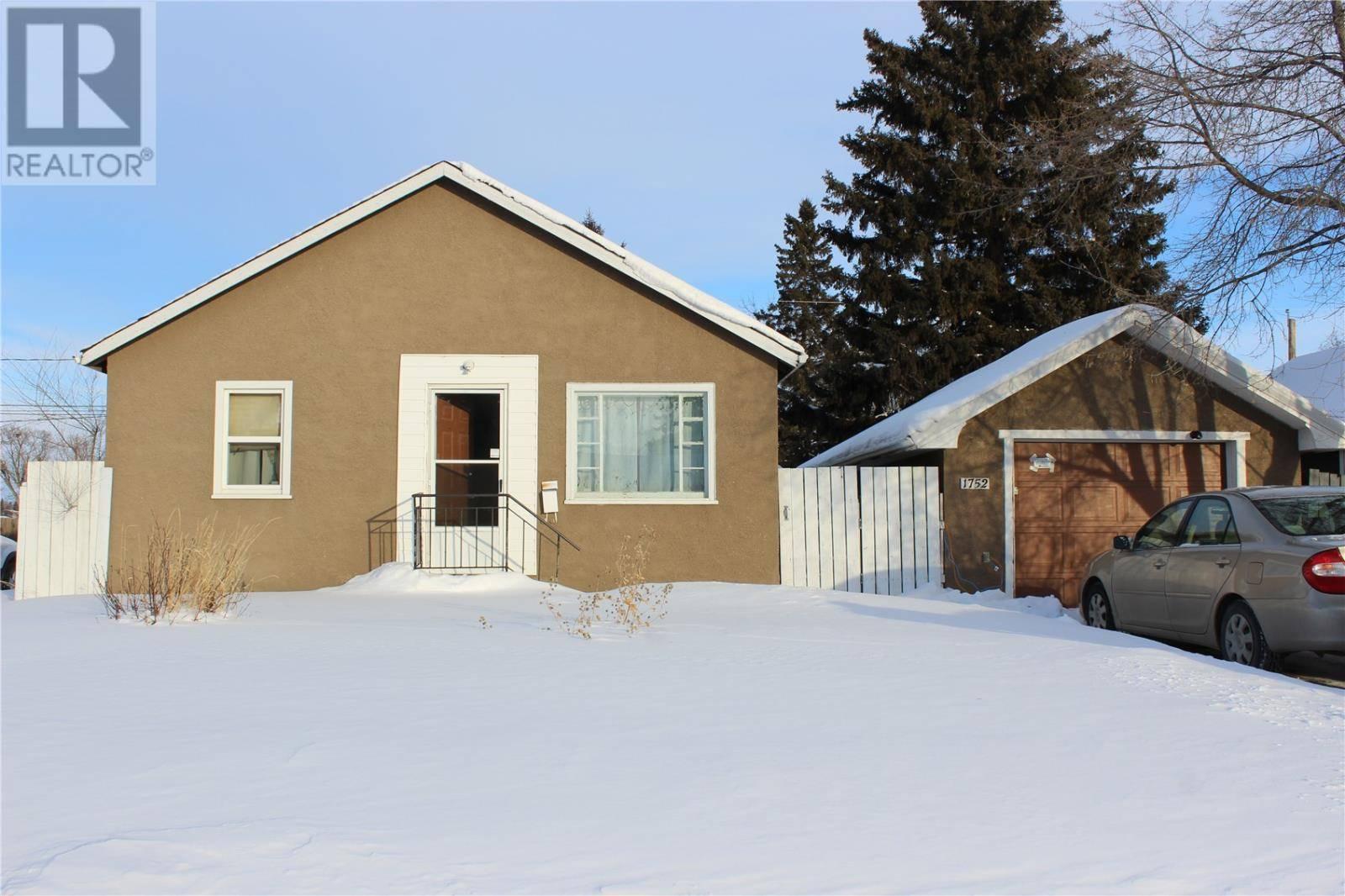 House for sale at 1752 103rd St North Battleford Saskatchewan - MLS: SK760093