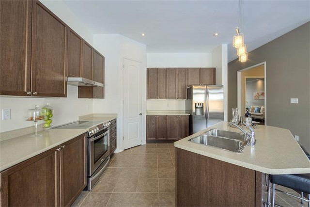 For Sale: 1755 Goldsmith Drive, Oshawa, ON | 4 Bed, 5 Bath House for $829,000. See 18 photos!