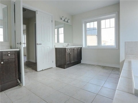 For Rent: 176 Sharavogue Avenue, Oshawa, ON   4 Bed, 4 Bath House for $2,900. See 9 photos!
