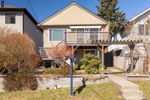 House for sale at 176 Kings Rd W North Vancouver British Columbia - MLS: R2381897