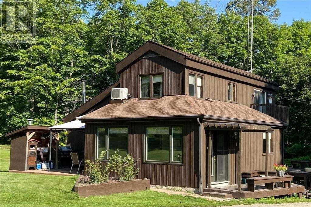 House for sale at 1761 Pickerel And Jack Lake Rd Burk's Falls Ontario - MLS: 40008456