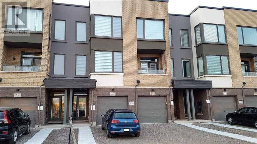 Townhouse for rent at 177 Sabina Dr Oakville Ontario - MLS: W4609758