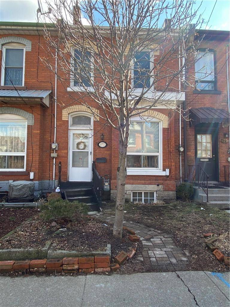 Townhouse for sale at 177 Walnut St S Hamilton Ontario - MLS: H4074193