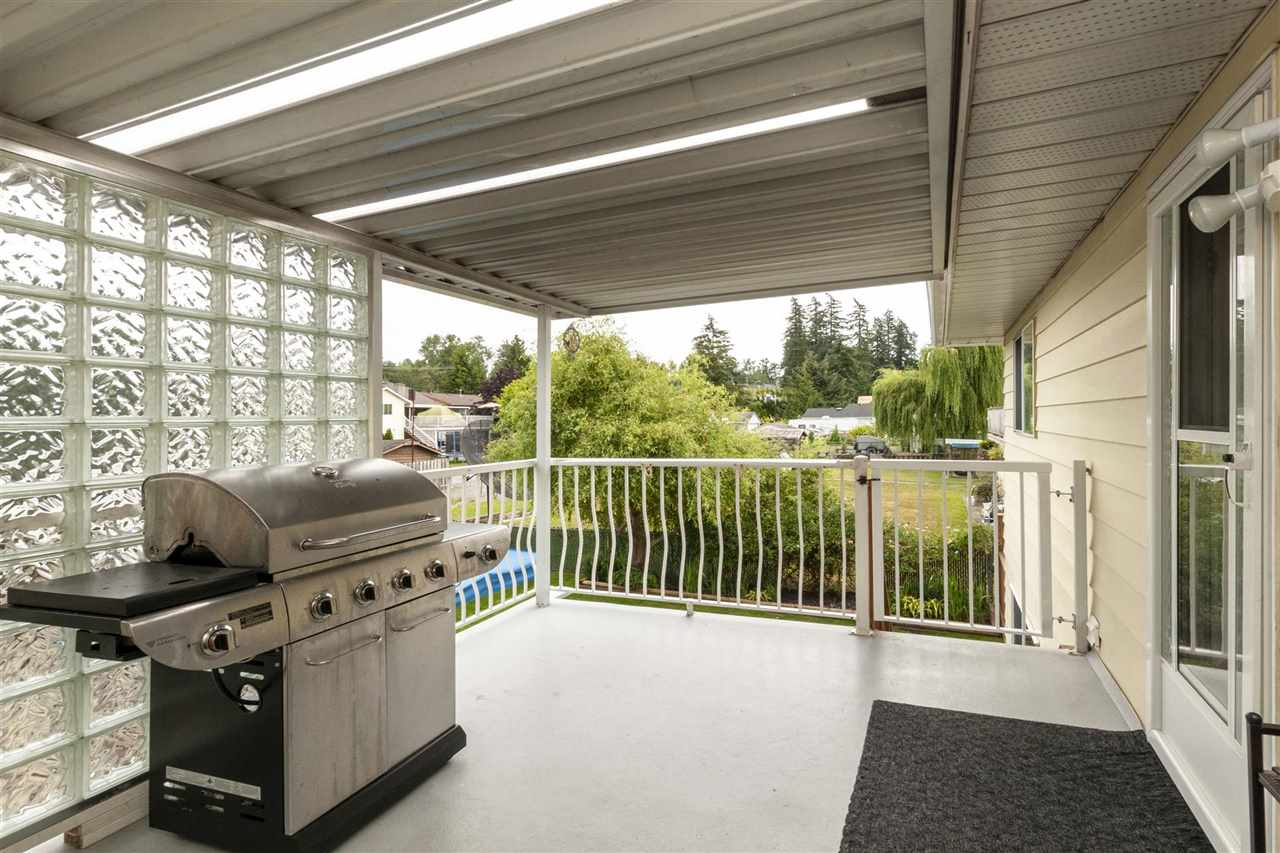 For Sale: 17775 59a Avenue, Surrey, BC | 5 Bed, 3 Bath Townhouse for $825,000. See 20 photos!