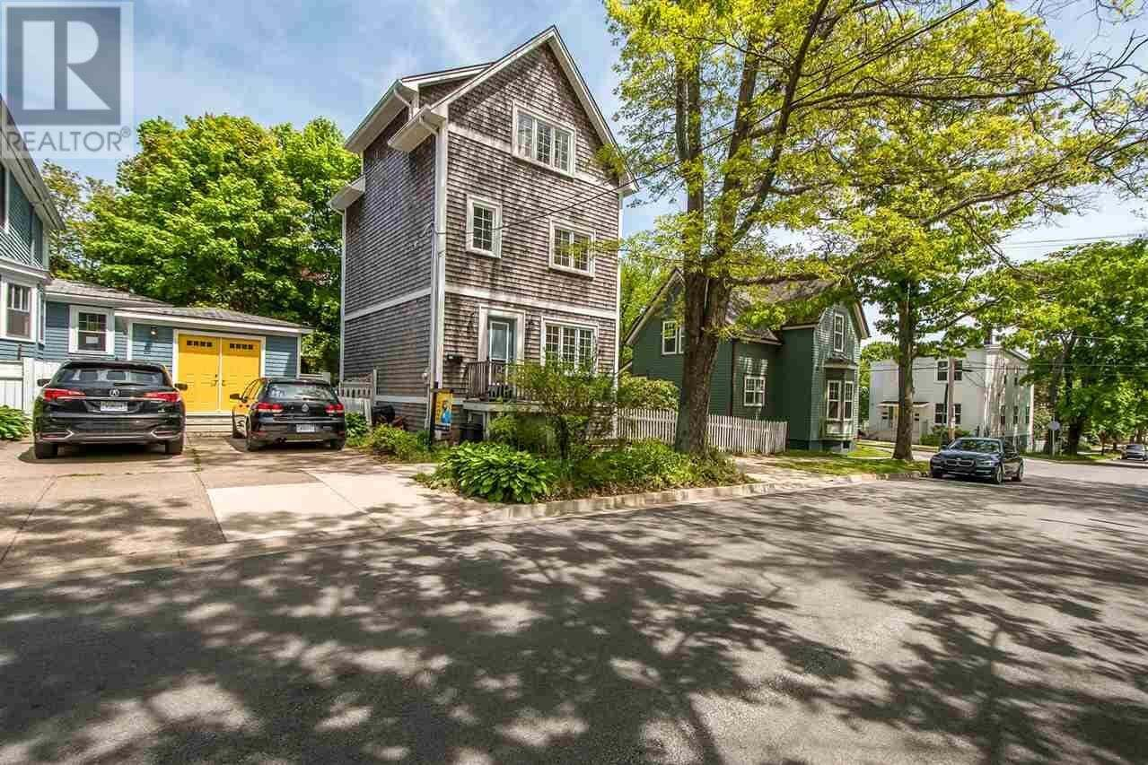 House for sale at 1779 Chestnut St Halifax Nova Scotia - MLS: 202010669