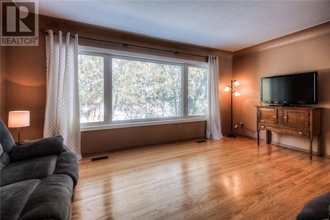 178 Blair Road, Cambridge — For Sale @ $525,000   Zolo ca
