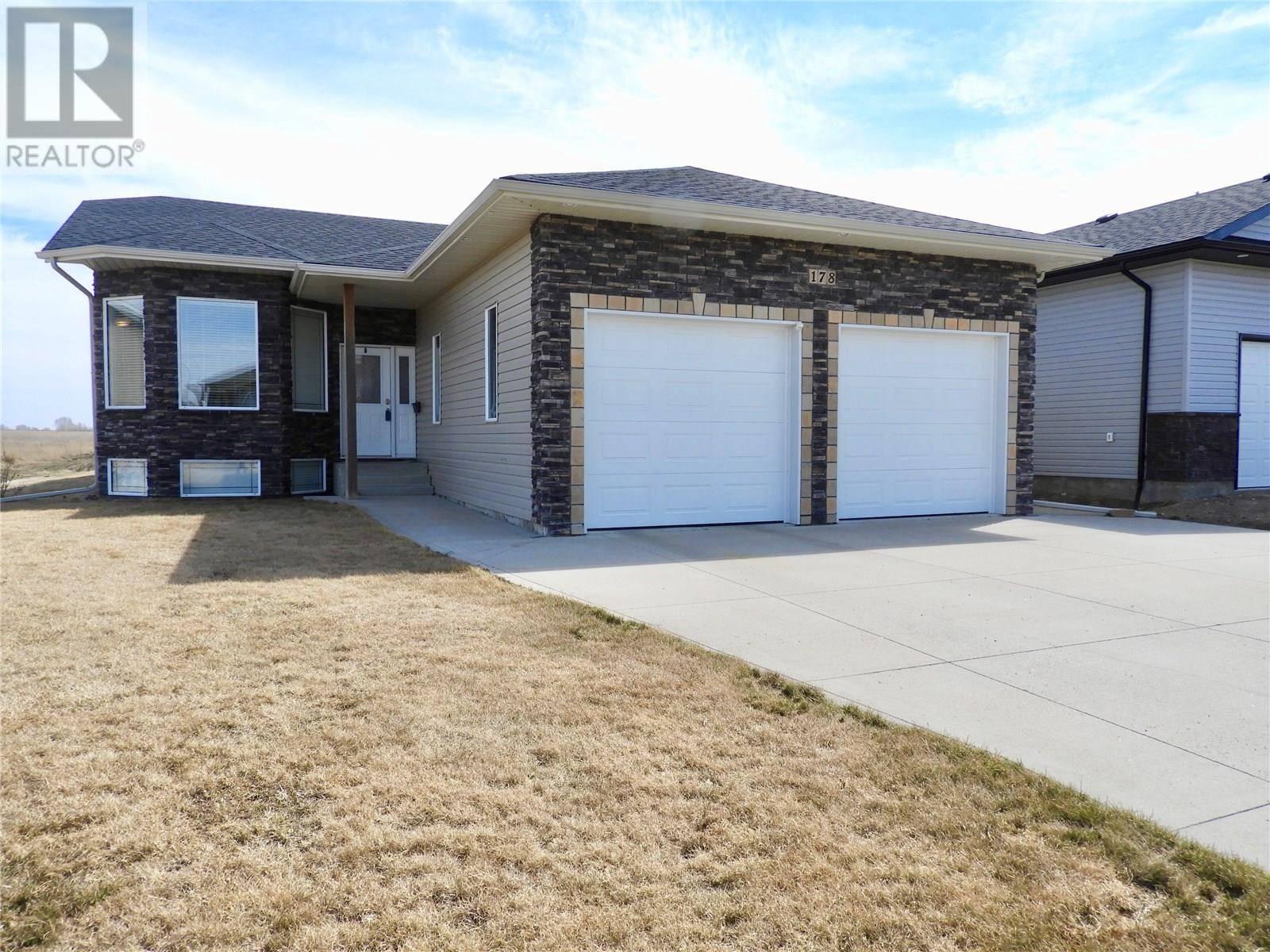 House for sale at 178 Finch Cres Langham Saskatchewan - MLS: SK767692