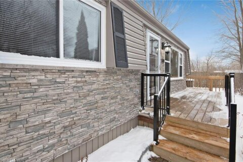 Home for sale at 178 Pebble Beach Pw Grand Bend Ontario - MLS: 40051510