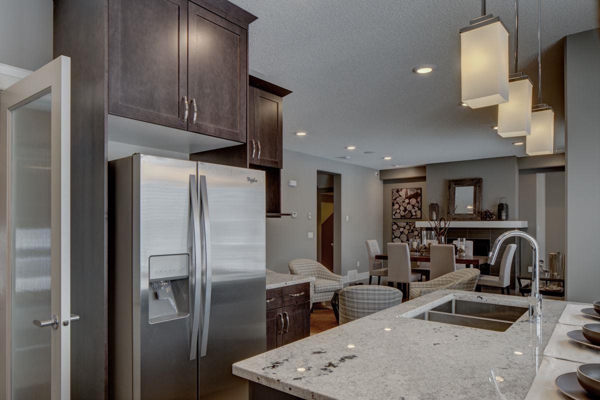 17816 9 Avenue SW, Edmonton — For Sale @ $699,900 | Zolo.ca