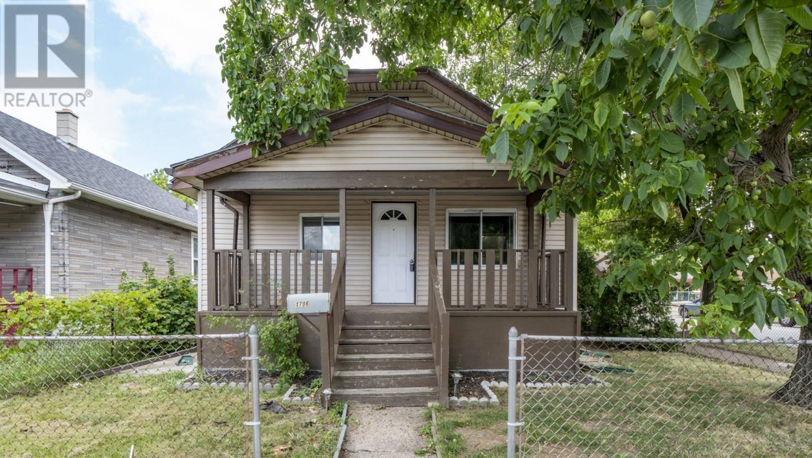 House for sale at 1796 Drouillard  Windsor Ontario - MLS: 19025544