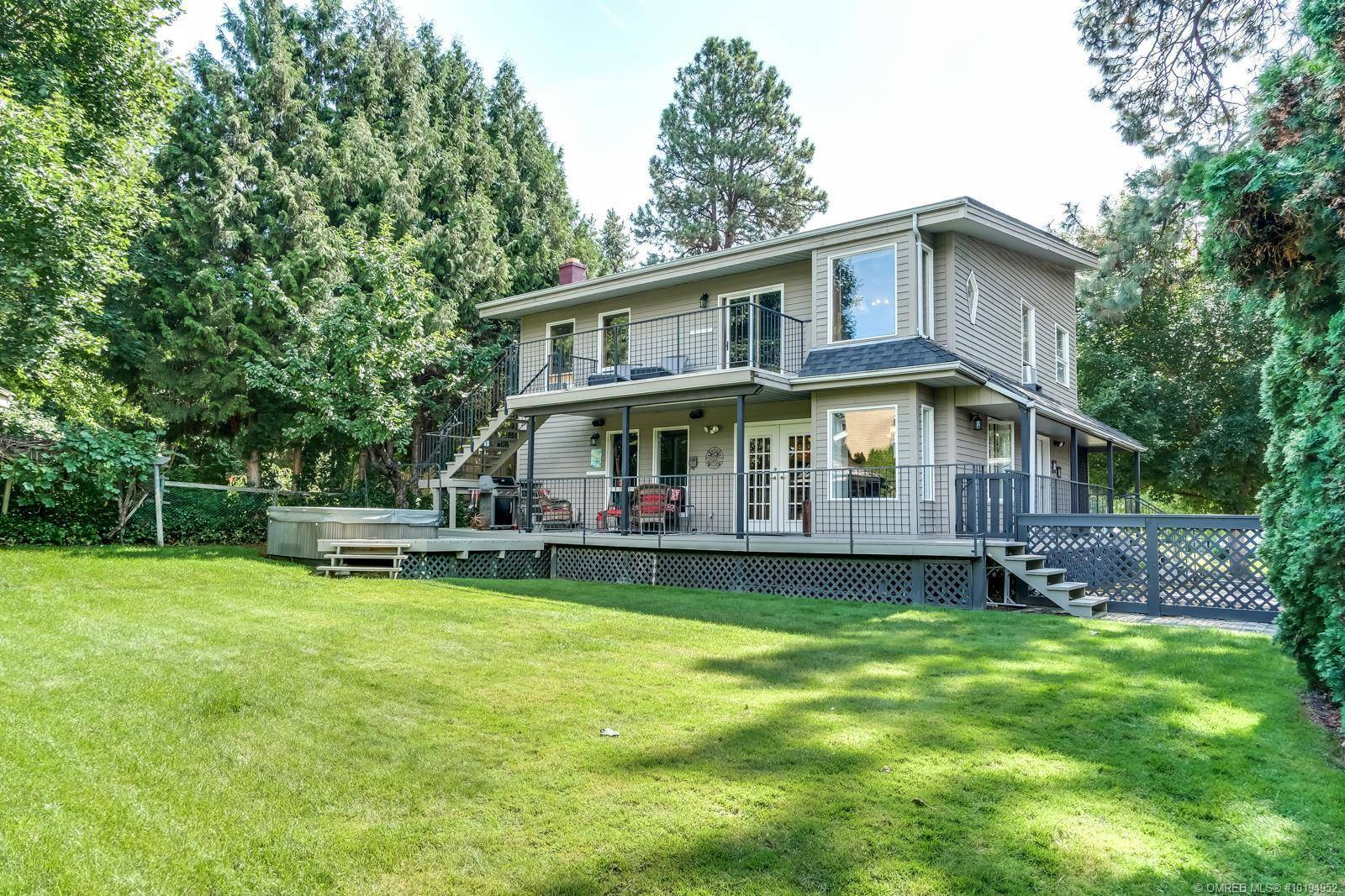 House for sale at 1796 Highland Dr North Kelowna British Columbia - MLS: 10194952