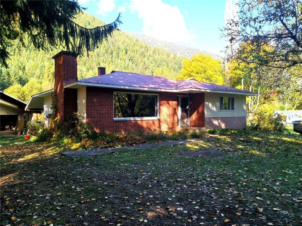 House for sale at 1797 3a Hy Castlegar British Columbia - MLS: 2439792