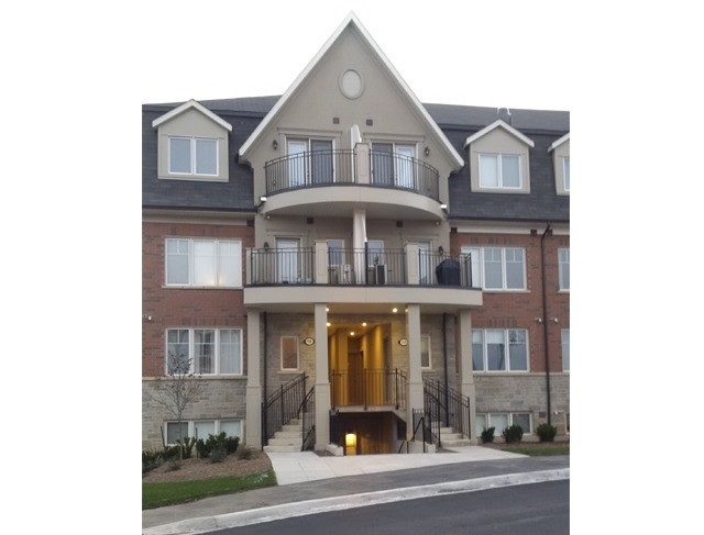 For Rent: 18 03 - 2420 Baronwood Drive, Oakville, ON | 2 Bed, 3 Bath Townhouse for $1,950. See 19 photos!