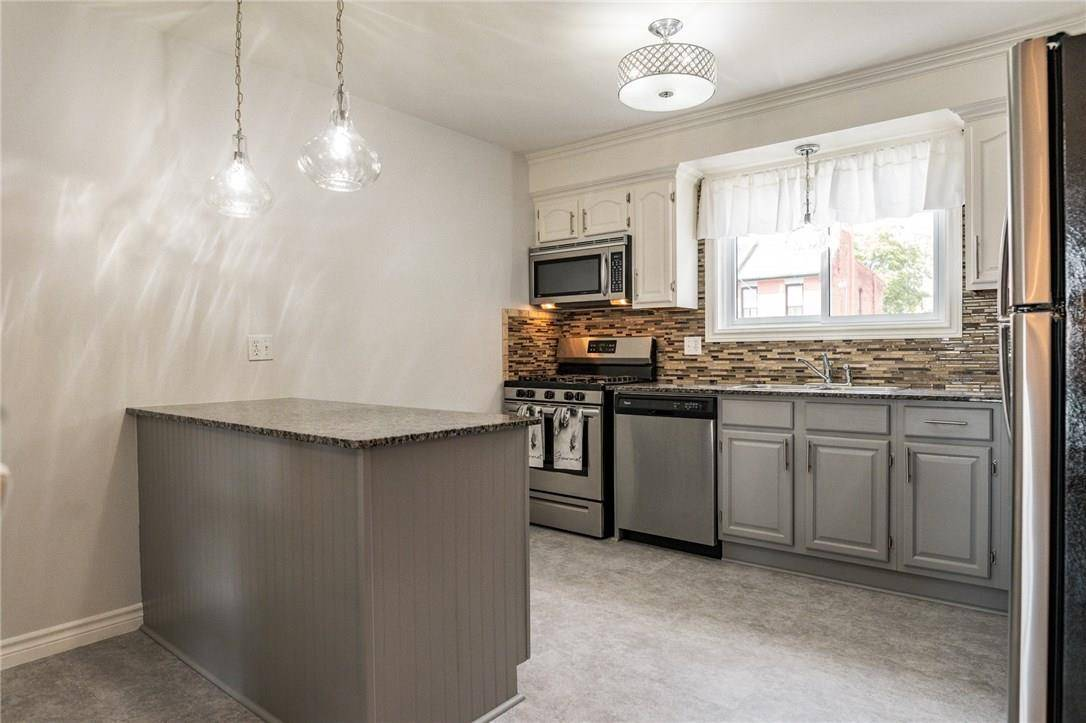 Townhouse for sale at 342 Catharine St N Unit 18 Hamilton Ontario - MLS: H4061615