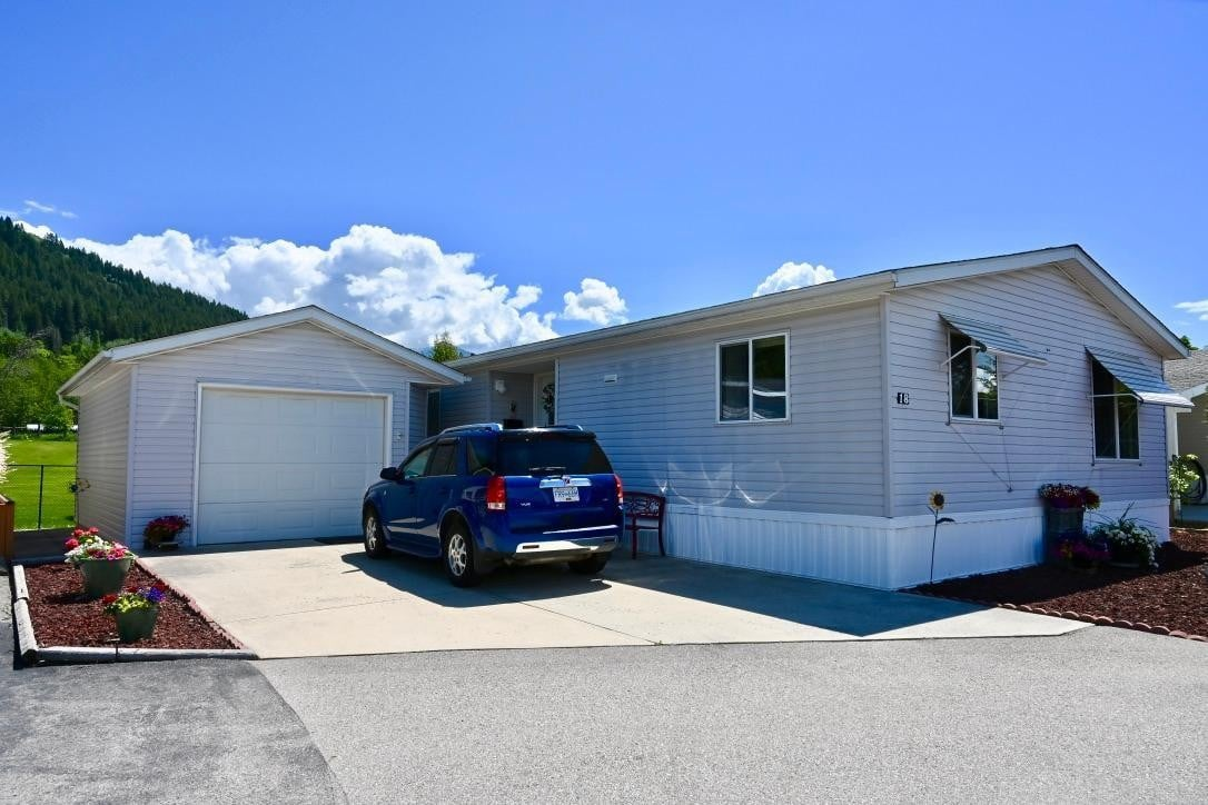 House for sale at 724 Devon Street  Unit 18 Creston British Columbia - MLS: 2452631