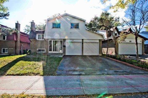 House for sale at 18 Alexmuir Blvd Toronto Ontario - MLS: E4942901