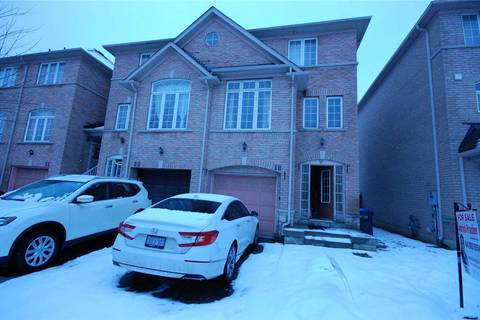 Townhouse for sale at 18 Axelrod Ave Brampton Ontario - MLS: W4659948