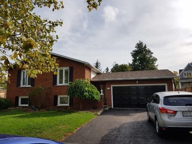 For Sale: 18 Banburry Crescent, Grimsby, ON   3 Bed, 2 Bath House for $589,900. See 20 photos!
