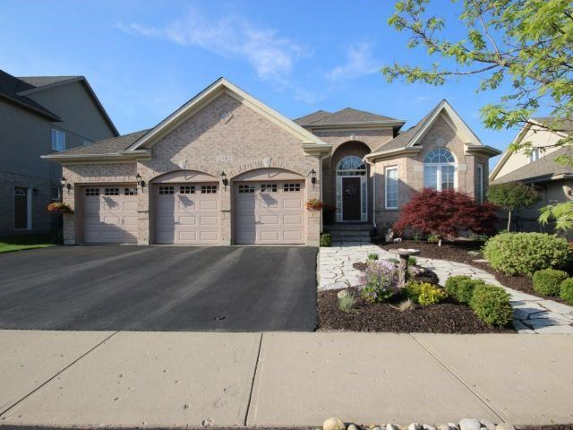 For Sale: 18 Buerkle Court, Kitchener, ON | 2 Bed, 3 Bath House for $859,900. See 20 photos!