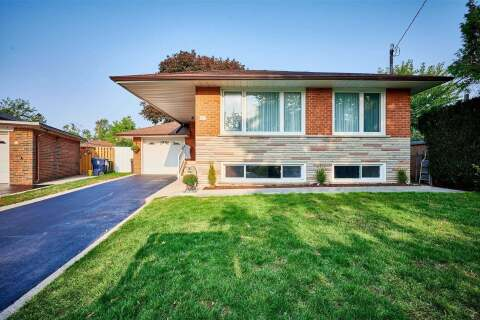 House for sale at 18 Chatsmere Pl Toronto Ontario - MLS: E4925182