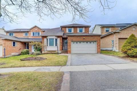 House for sale at 18 Closs Sq Aurora Ontario - MLS: N4419627