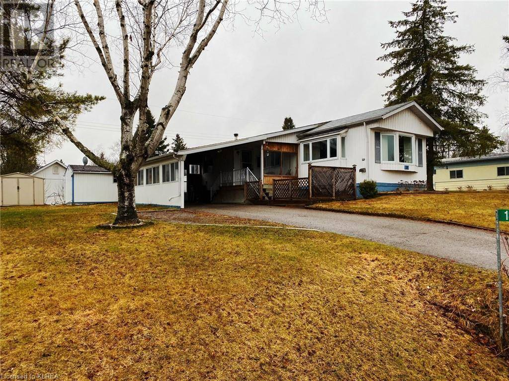 Home for sale at 18 Fenelon Wy Lindsay Ontario - MLS: 240790