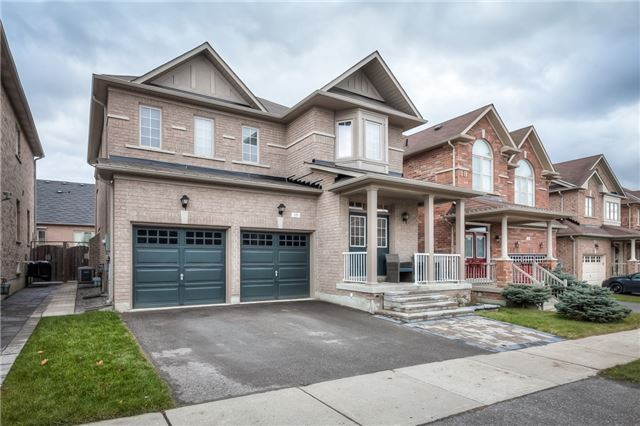 Sold: 18 Grandwood Avenue, Whitchurch Stouffville, ON