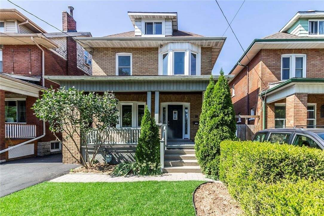 House for sale at 18 Grosvenor Ave S Hamilton Ontario - MLS: H4088858