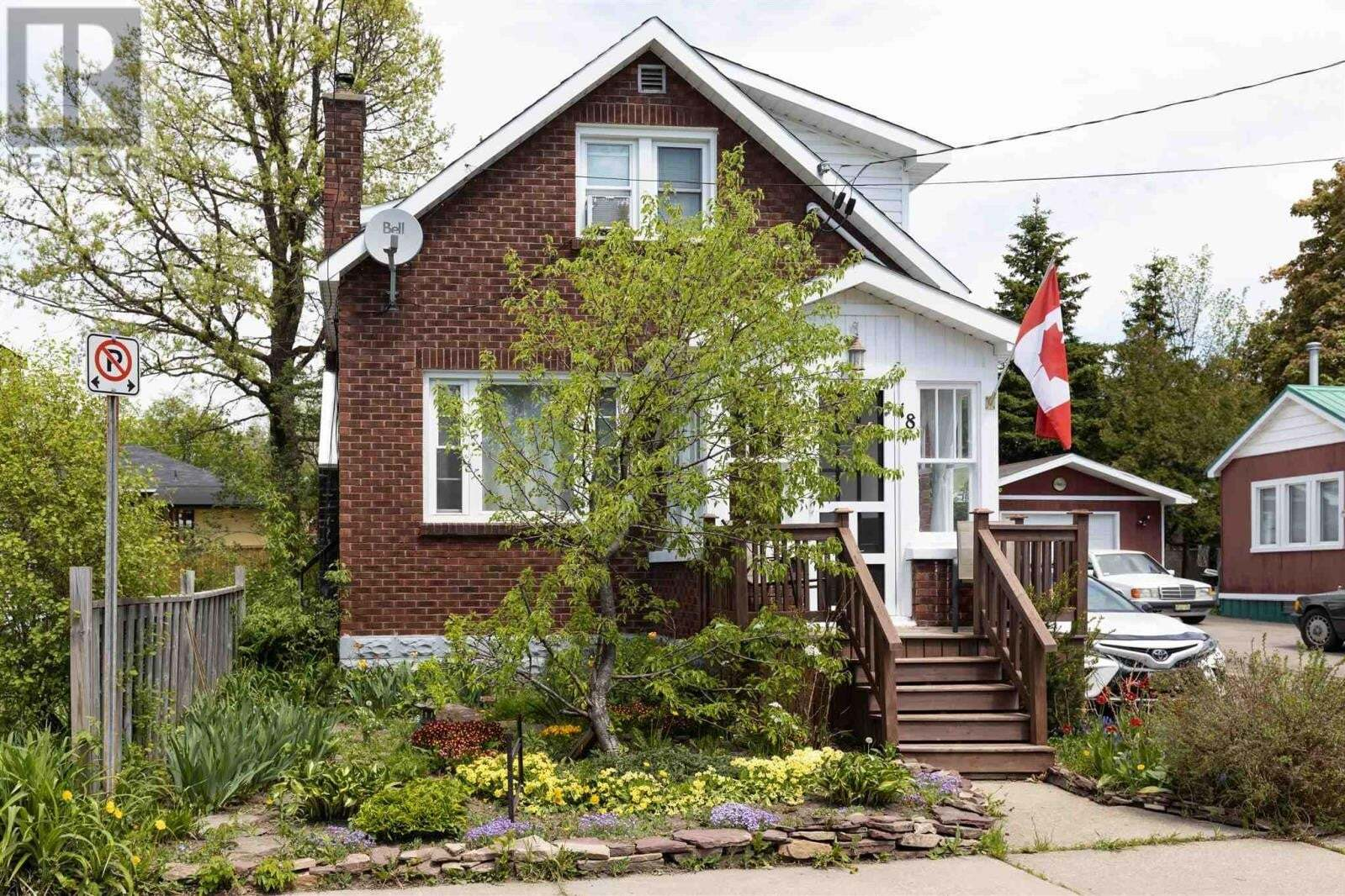 Townhouse for sale at 18 Hawthorne Ave Sault Ste. Marie Ontario - MLS: SM128298