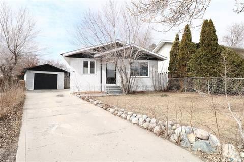 House for sale at 18 Hyland Cres Regina Saskatchewan - MLS: SK801738