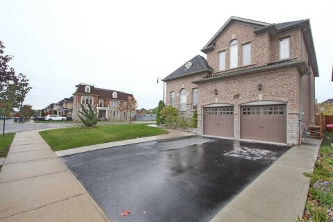 House for sale at 18 Ingleborough Dr Brampton Ontario - MLS: W4965505