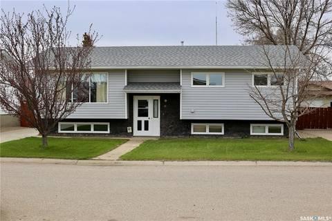 House for sale at 18 Morin Cres Gravelbourg Saskatchewan - MLS: SK796655