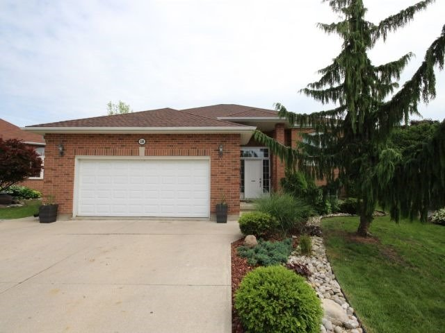 House for sale at 18 Onondaga Place WOODSTOCK Ontario - MLS: X4172435