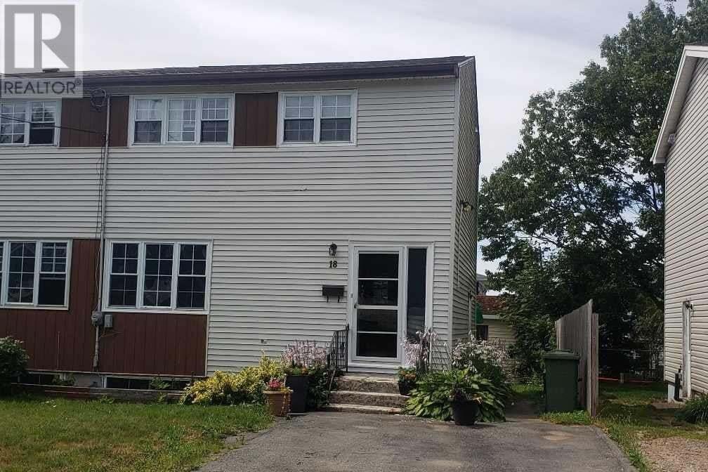 House for sale at 18 Roblea Dr Dartmouth Nova Scotia - MLS: 202015425