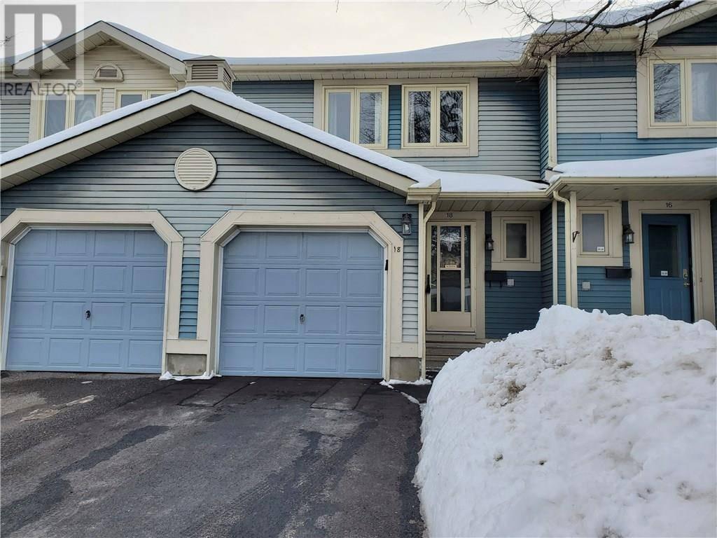 Townhouse for sale at 18 Saxton Pt Ottawa Ontario - MLS: 1183326