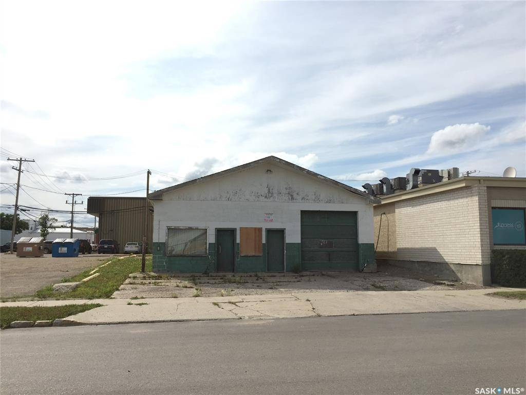 Commercial property for sale at 18 Sixth Ave N Yorkton Saskatchewan - MLS: SK784117