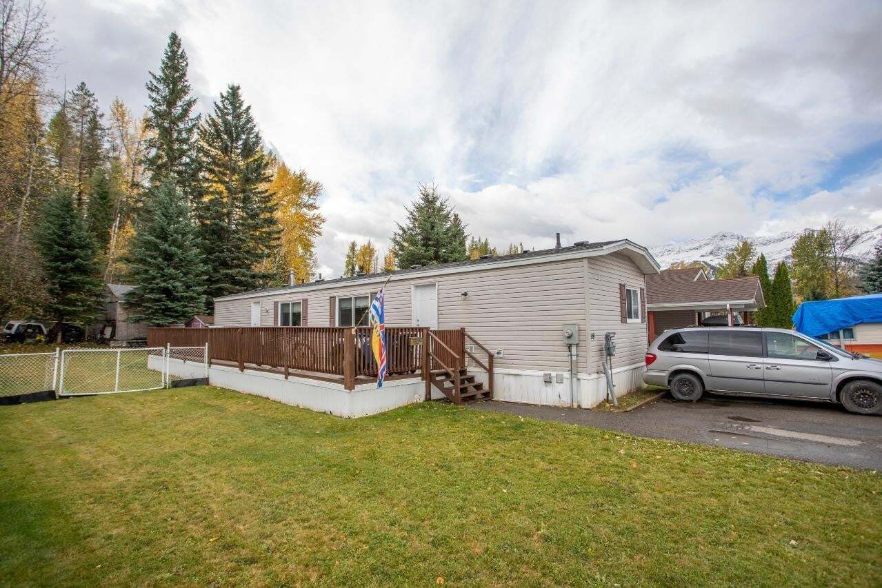 House for sale at 18 Slalom Dr Fernie British Columbia - MLS: 2455007