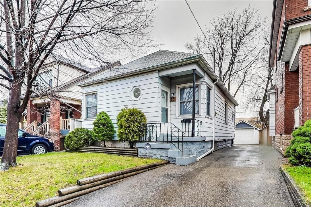 House for sale at 18 Tuxedo Ave N Hamilton Ontario - MLS: H4093926