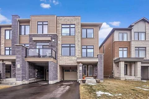 Townhouse for sale at 18 Vantage Loop  Newmarket Ontario - MLS: N4702676