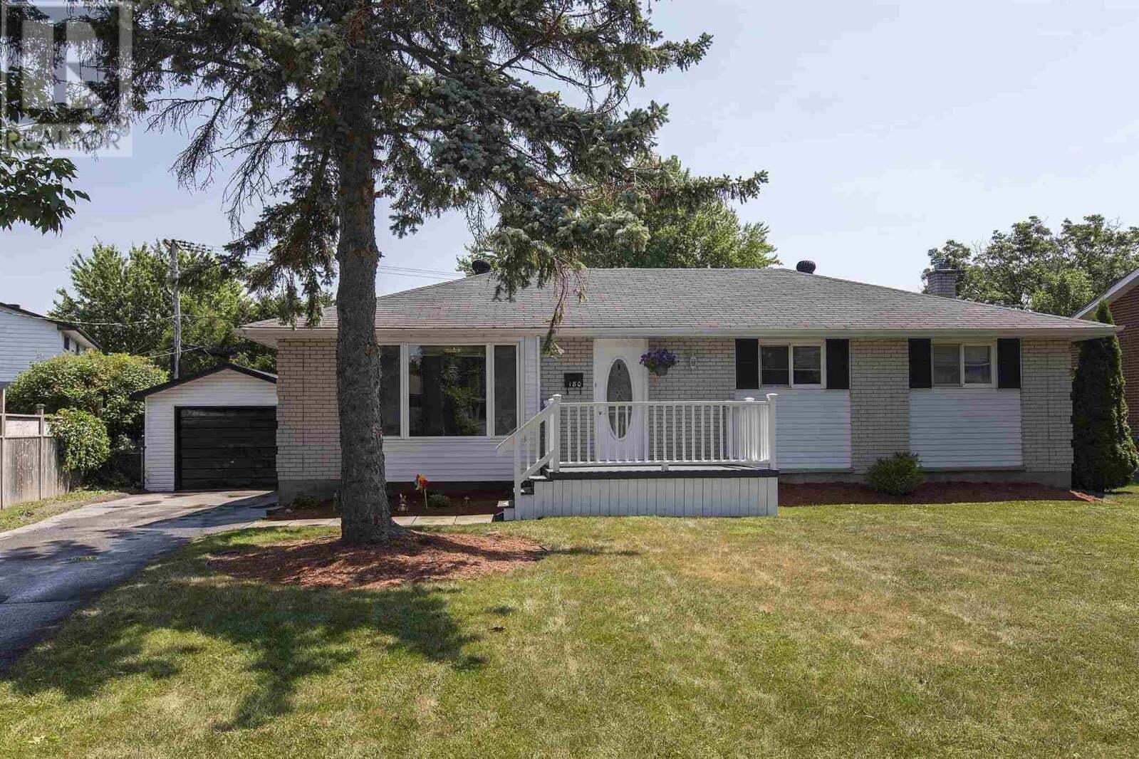 House for sale at 180 Sherman St Kingston Ontario - MLS: K20003752