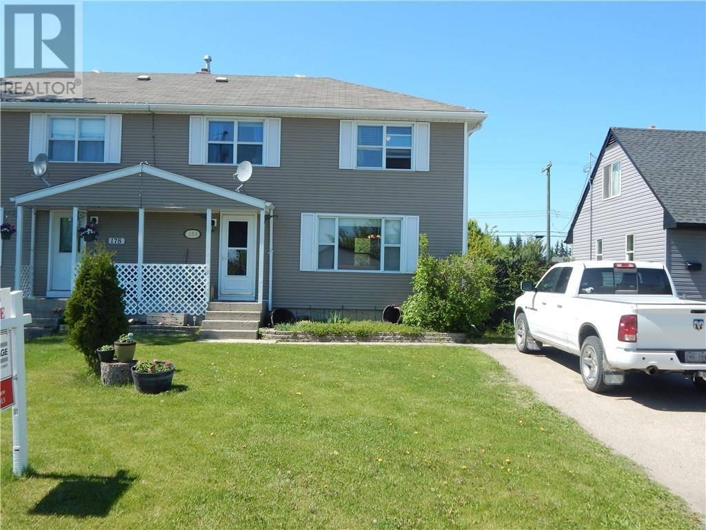 Townhouse for sale at 180 Tamarac Blvd Springbrook Alberta - MLS: ca0172686